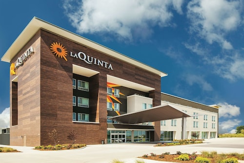 La Quinta Inn & Suites by Wyndham Wichita Northeast
