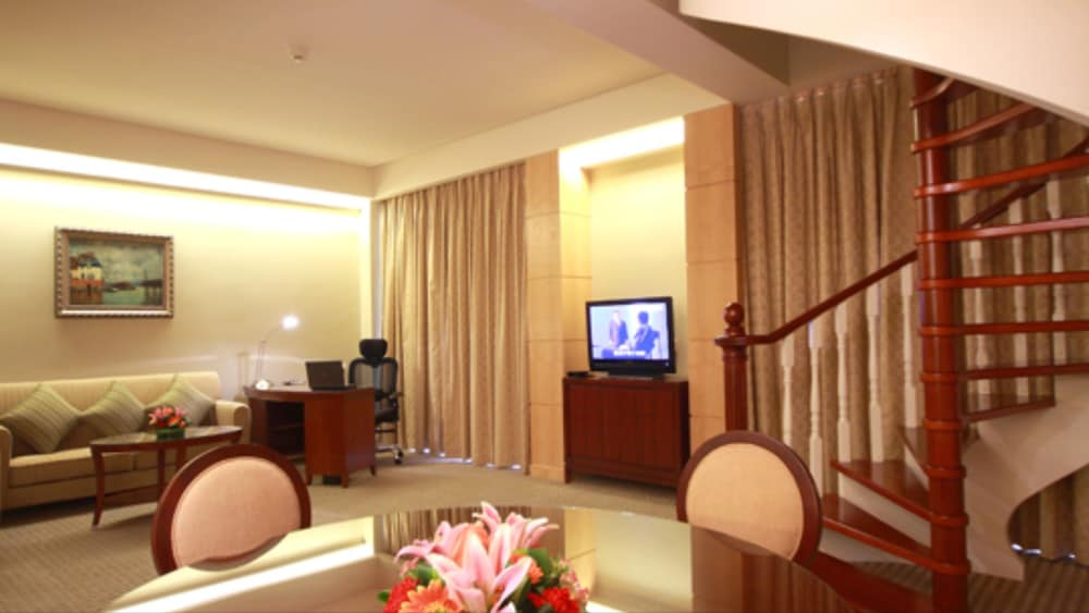 Living Area, Hotel Paris Pan-Island