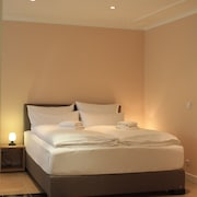 Rooms by Amaroo - Pension