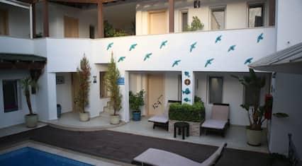7 Art Feslegen Hotel