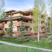 Canyon Creek Condominiums by Resort Lodging Company