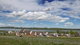 Lake Stop Resort - Caravan Park - Buffalo Hotels