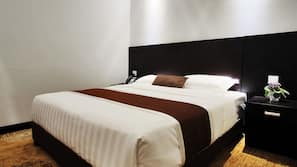 Memory-foam beds, in-room safe, free WiFi, bed sheets