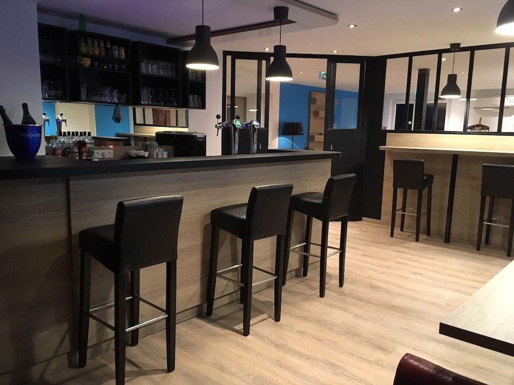 brit hotel salon de provence salon de provence france expedia. Black Bedroom Furniture Sets. Home Design Ideas