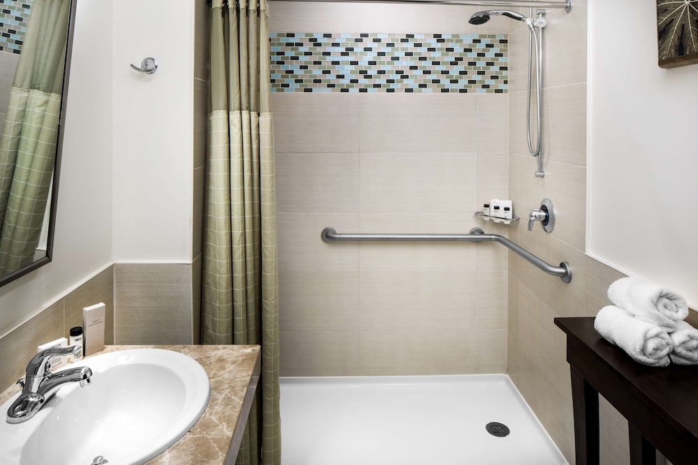 Bathroom, Watt Hotel Rahway, Tapestry Collection by Hilton