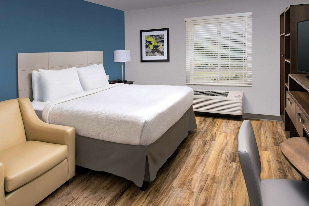 Room, WoodSpring Suites Cherry Hill