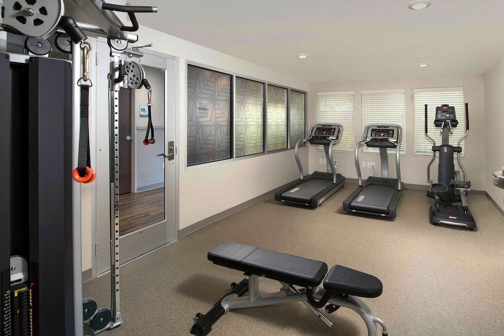 Fitness Facility, WoodSpring Suites Cherry Hill
