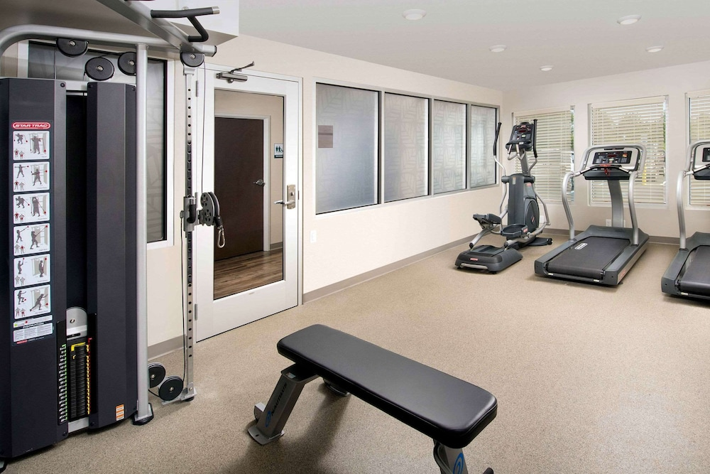 Fitness Facility, WoodSpring Suites South Plainfield