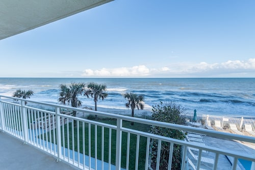 Indian Harbour Beach Club by Stay in Cocoa Beach