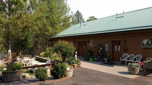Check Expedia for Availability of High Country Inn