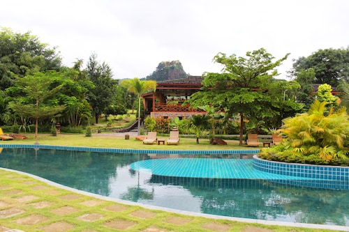 Popa Garden Resort
