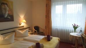 Allergikerbettwaren, Betten mit Memory-Foam-Matratzen, Zimmersafe