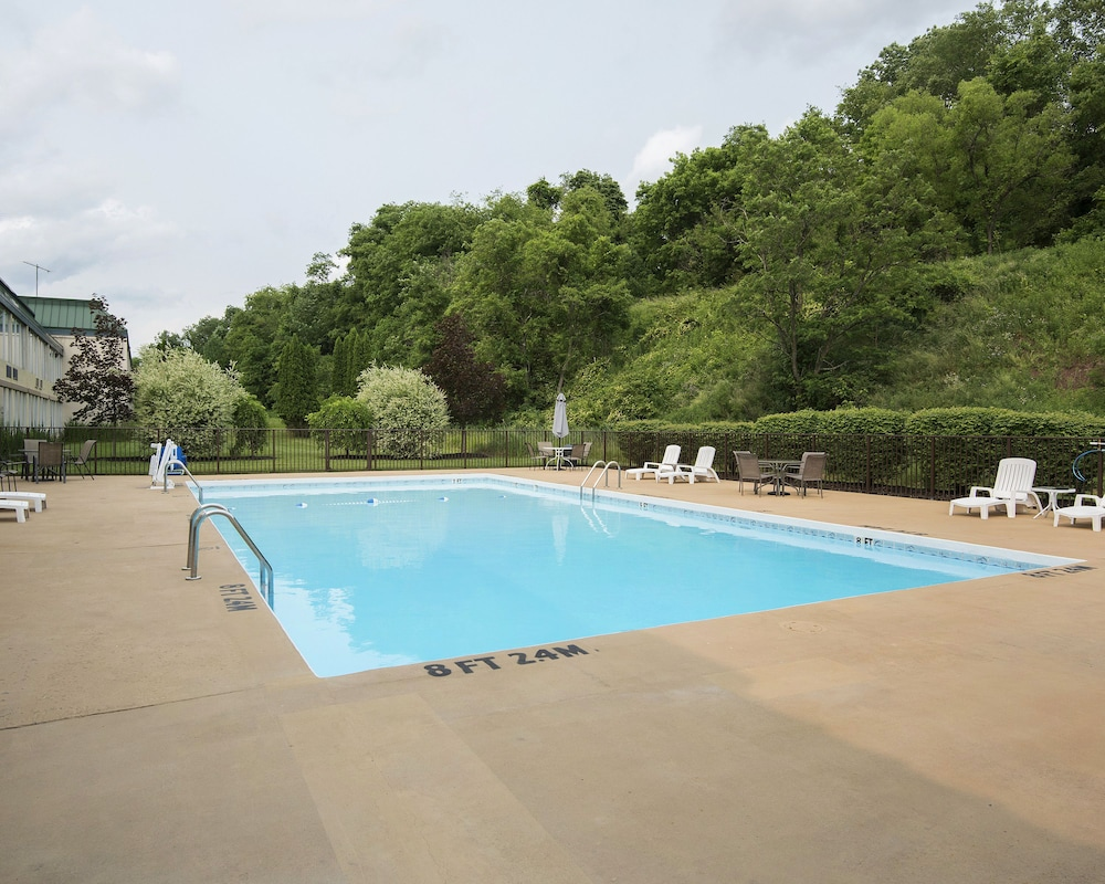 Outdoor Pool, Suburban Extended Stay Hotel