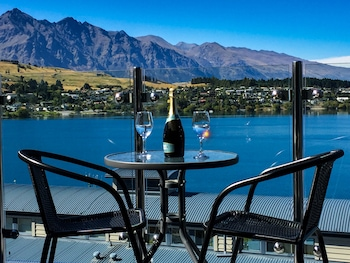 Amazing Queenstown Luxury Apartment