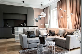 Platinum Apartment by PLA