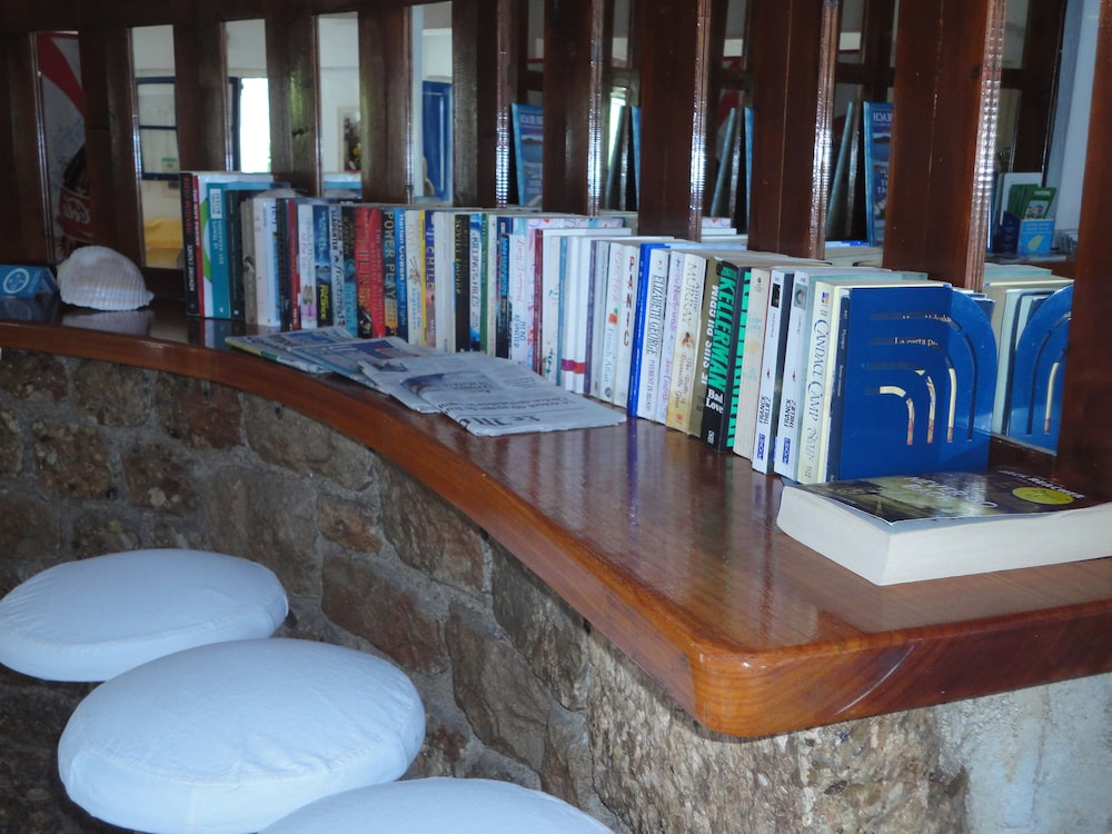 Library, 7 Islands