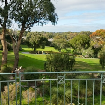 Joondalup Golf Retreat