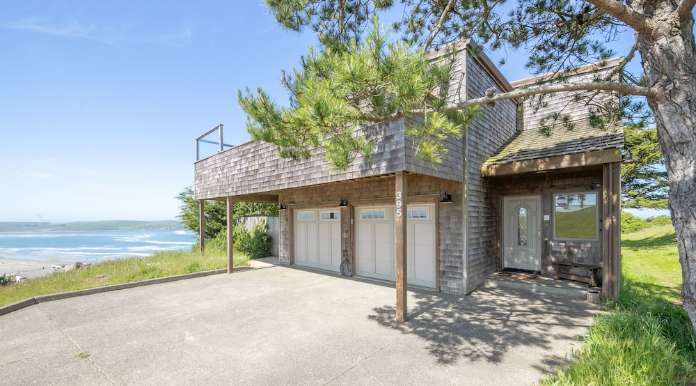 Featured Image, 'wabi Tei' Serenity With Panoramic Ocean View. Hot Tub, Bbq, Xbox, Wifi, Pets OK