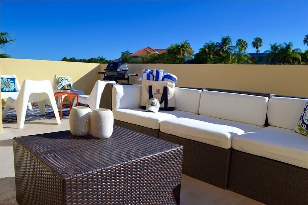 Featured Image, Villa Primera Private Rooftop With Grill and Hammock Sleeps 6