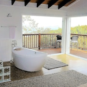 3 Bd/2 Bath Paradise Villa in Cruz Bay- Short Walk to Ferry Dock, Town, Beach