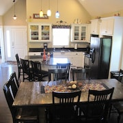 Creekside Cottage Booking Fast for 2018 Family fun Sleeps 14