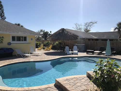 Gorgeous Cocoa Beach Home W Heated Pool Short Walk To