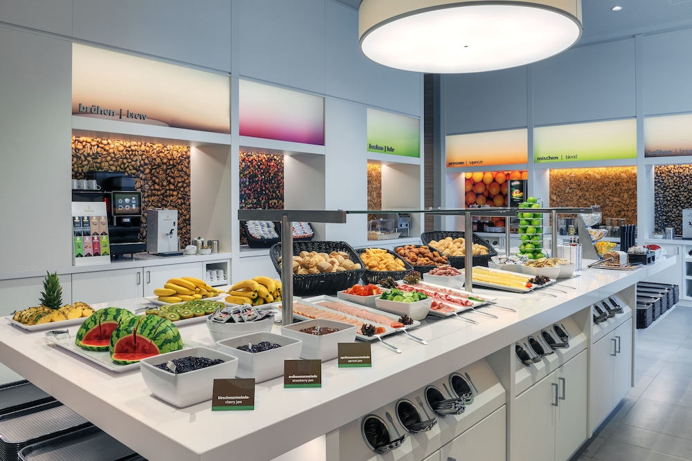 Breakfast buffet, Hampton by Hilton Freiburg