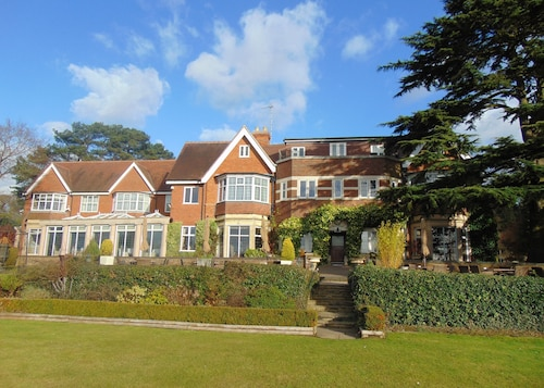Nuthurst Grange Country House Hotel