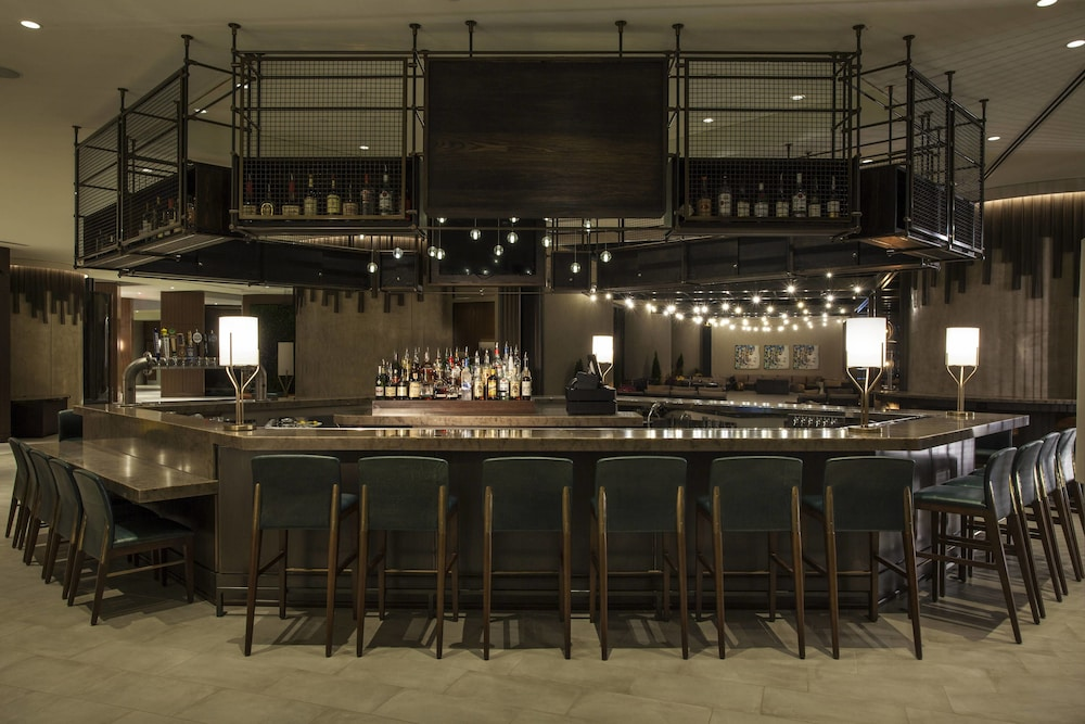 Bar, The Westin Chattanooga