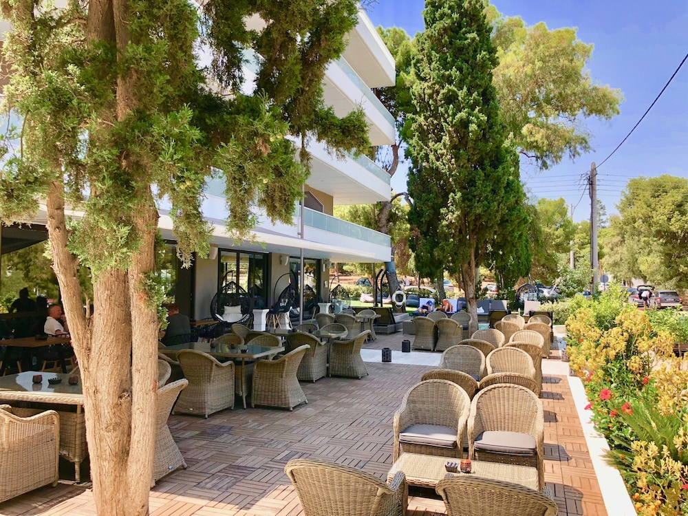 Poolside Bar, Athenian Riviera Hotel & Suites