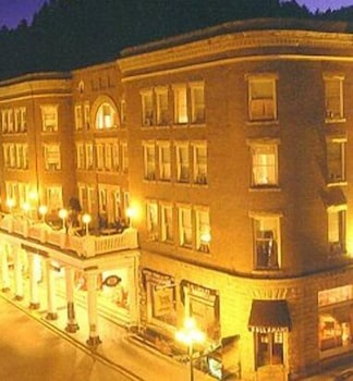 Front of Property - Evening/Night, Historic Franklin Hotel