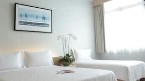 高級寢具、設計每間自成一格、家具佈置各有特色、窗簾