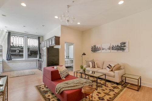Check Expedia for Availability of Chic 2BR in Arts/Warehouse District by Sonder