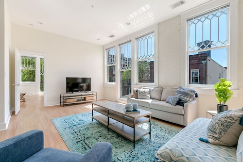 Check Expedia for Availability of Chic 3BR in Arts/Warehouse District by Sonder