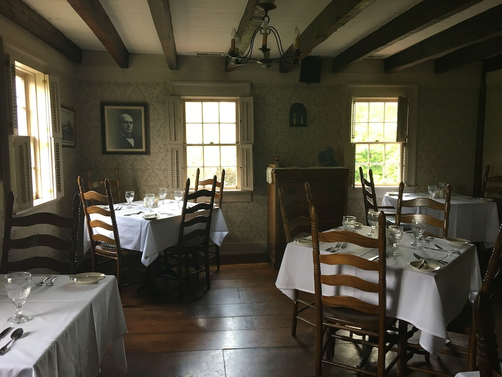 Dining, Spread Eagle Tavern and Inn