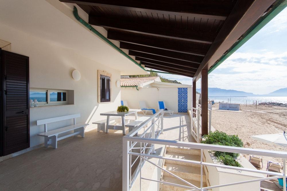 Terrazza Sul Mare In Trappeto Hotel Rates Reviews On Orbitz