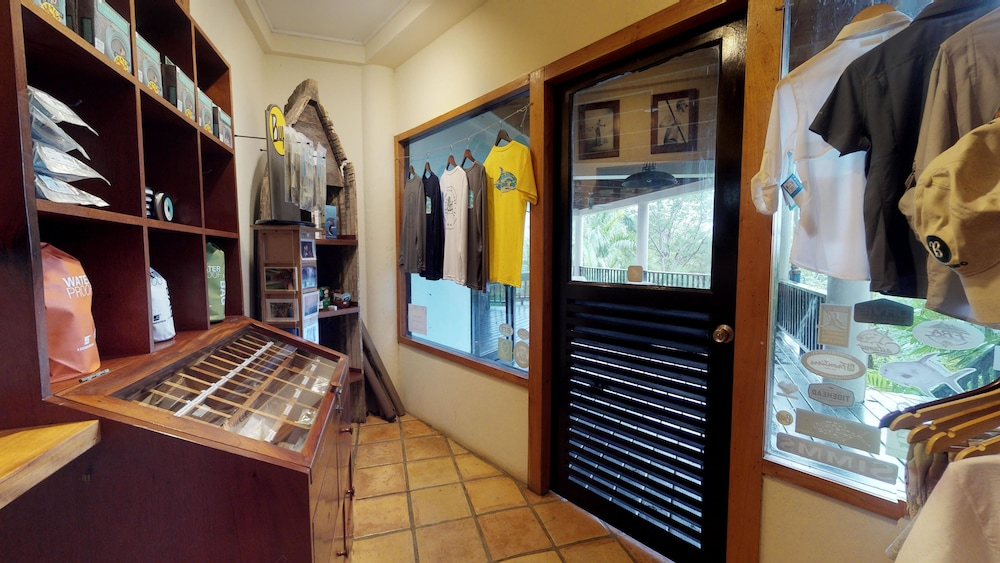 Gift Shop, Copal Tree Lodge, a Muy'Ono Resort