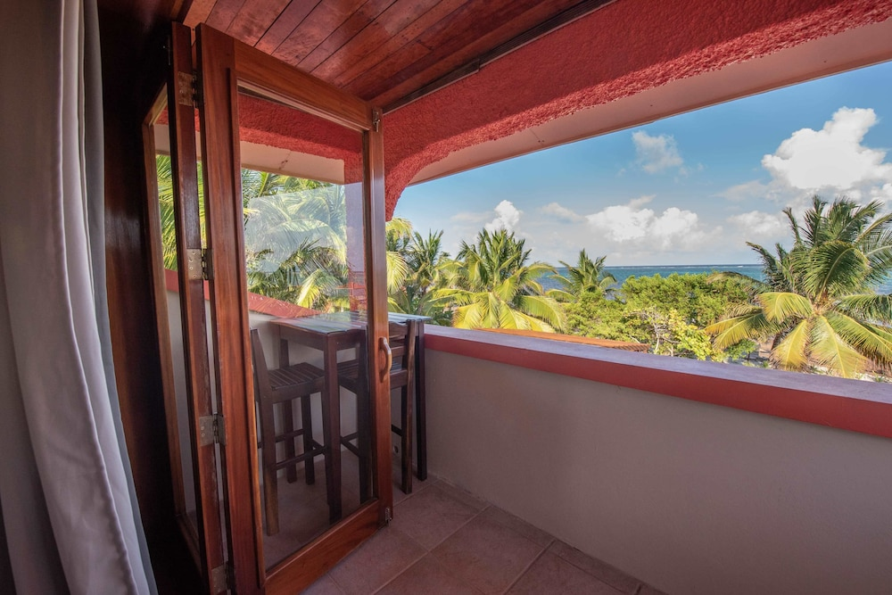 Beach/Ocean View, Bella Vista Guesthouse & Cabins