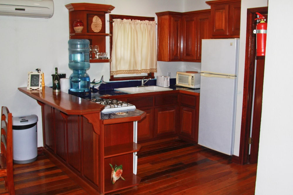 Private Kitchen, Bella Vista Guesthouse & Cabins