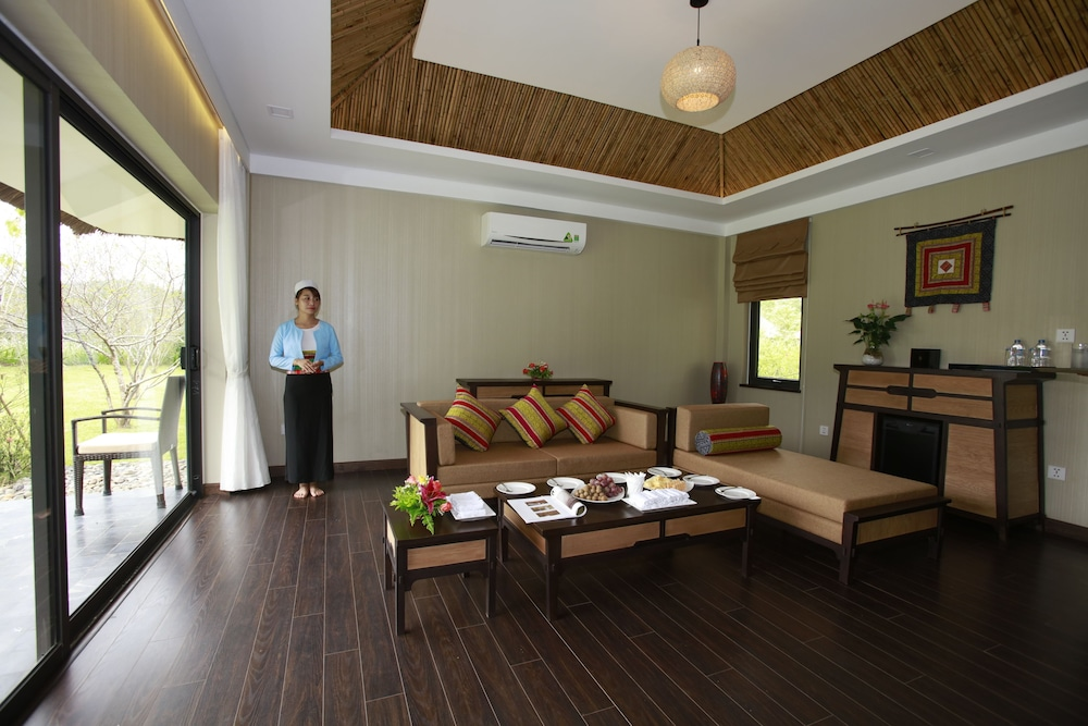 Living Area, Serena Resort Kim Boi