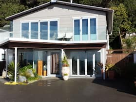 Kapiti Waves Bed & Breakfast