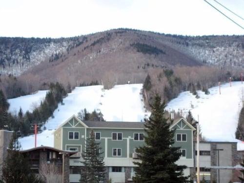 Hunter Mountain New York Luxurious Ski Condo On Top Of The Base Lodge
