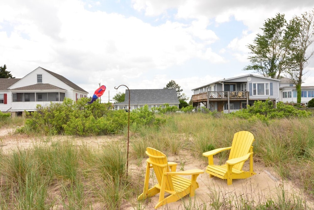 Property Grounds, Whole House UV Air Purifier-Waterfront -The Mermaid Cottage-  Pets Welcome