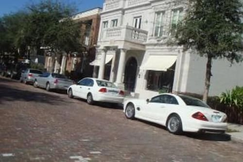 A Rare Jewel - Steps to Park Ave, Shops, Restaurants, Rollins College
