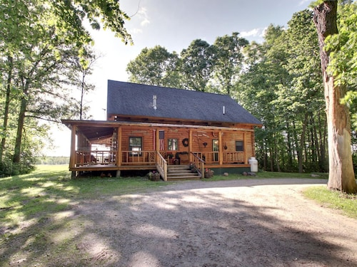 Authentic Log Cabin Fall Fun! & Hot Tub, Near Lake W/mountain Views