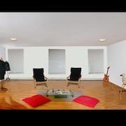 Huge Beautiful 3 Bedrooms 2 Bathrooms Apartment With 600 Square Foot Living Room