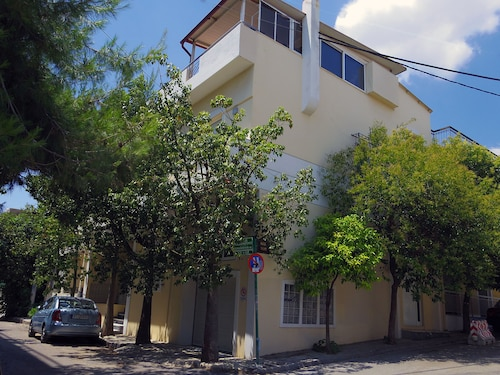 Modern And Independent Comfy Lux Home In Athens. Free Transfer From The Airport*