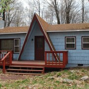 Clean Cozy ~ Perfect Pocono Lake Getaway ~ Wifi
