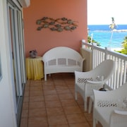 Perfect Location, Excellent set up, Walk to the Beach and Fisherman Village