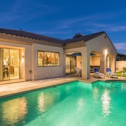 Sundance Villa - Heated Pool, Jacuzzi, Billiard - 1 Mile to Wigwam